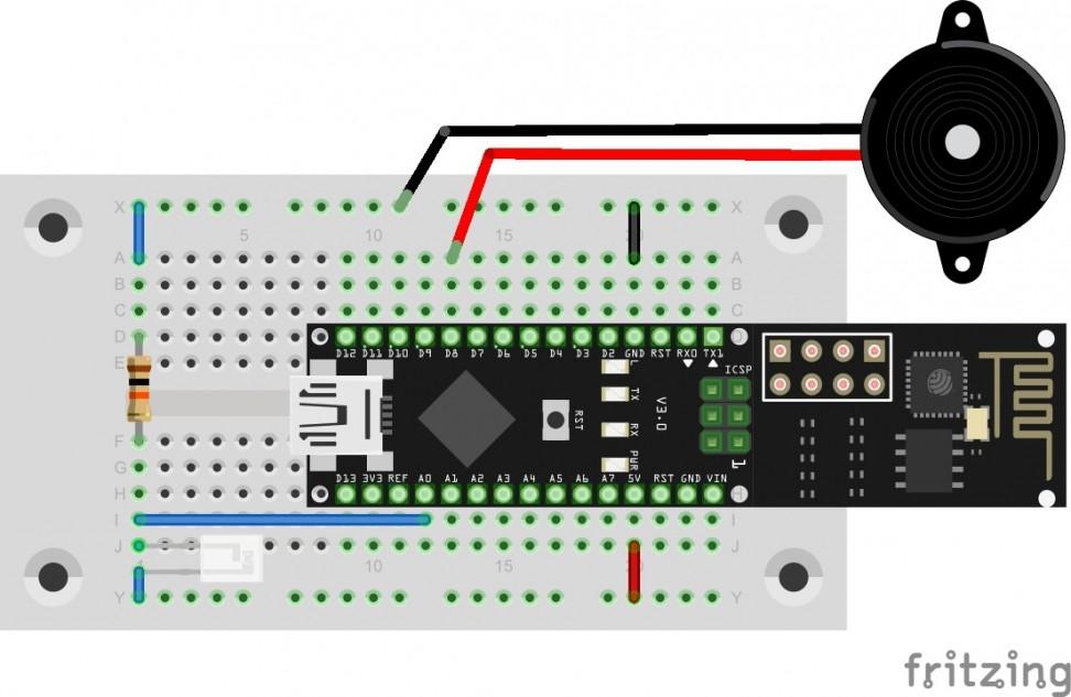 Lichtsensor an A0 und Piezo an D8